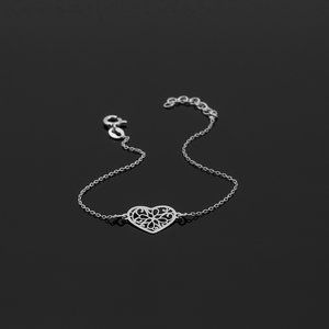 Srebrne pierścionki – ponadczasowy styl