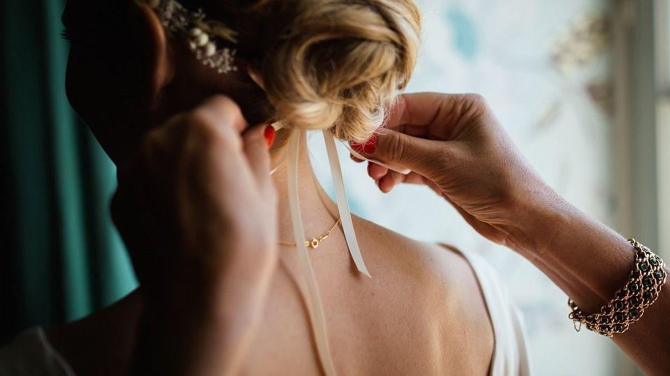 Biżuteria online – czy warto zdecydować się na takie zakupy?