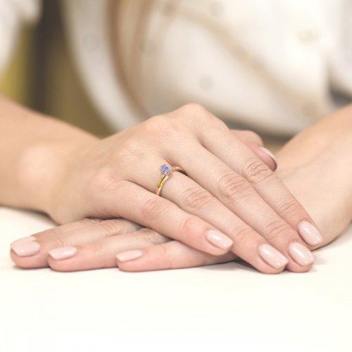 Pierścionki zaręczynowe – czy są lifestylową biżuterią?